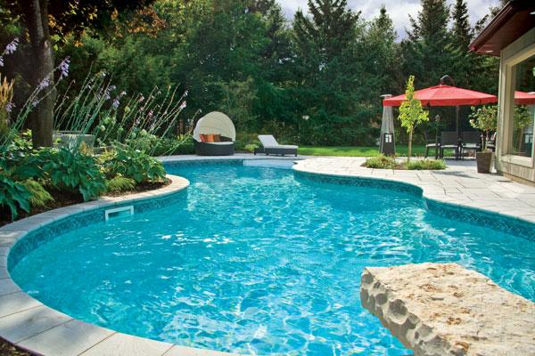 xây dựng hồ bơi ngoài  trời tuyệt đẹp