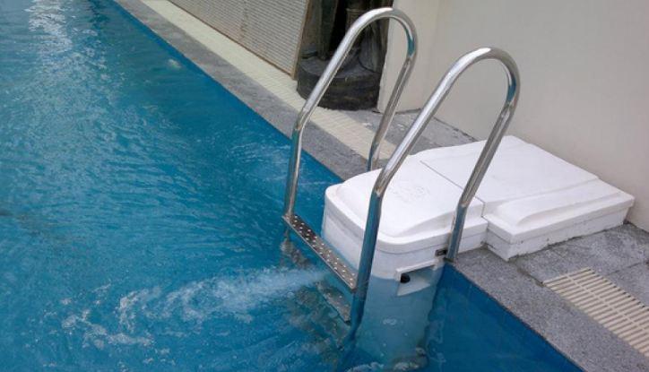 thiết bị hồ bơi